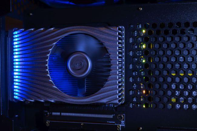 Вы не увидите графику Intel Xe на настольном игровом ПК в 2020 году