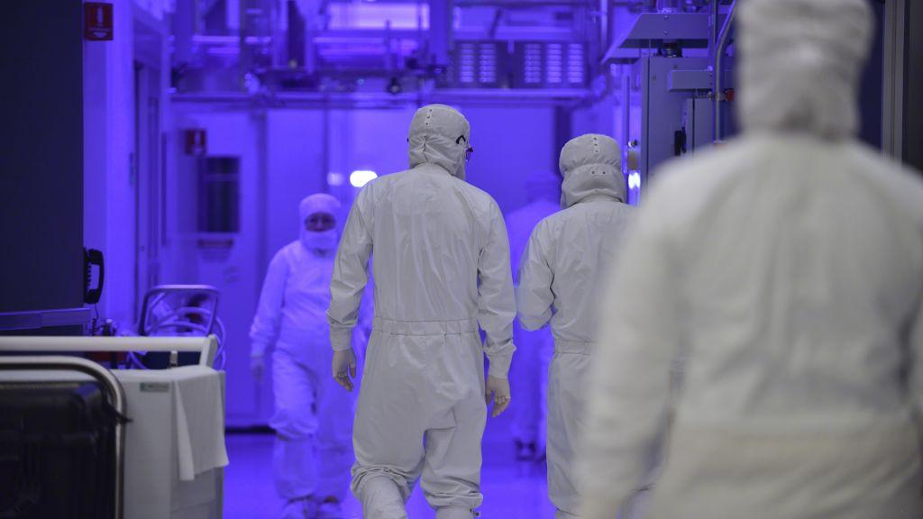 Intel до сих пор не может сказать, будет ли она производить все свои собственные 7-нм процессоры